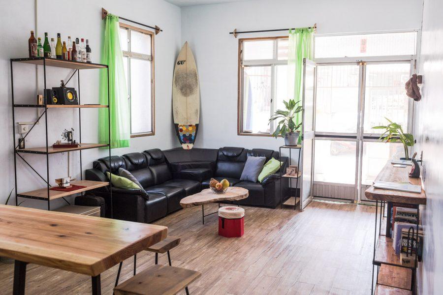 Interior-design-living-room-SurfhouseTaiwan-FabsFurniture