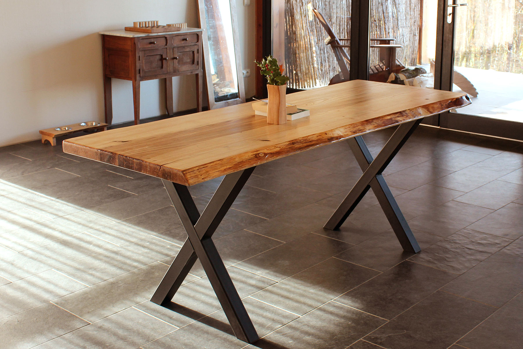 wood-interior-chestnut-dining-table-table-Black-matel-lags- FabsFurniture Designs