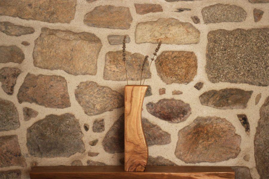 Wooden-vase-curves-design-FabsFurniture
