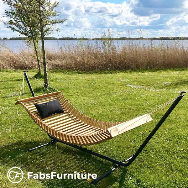FabsFurniture-Wooden-Hammock-Nieuwkoop-lake-Netherlands-l