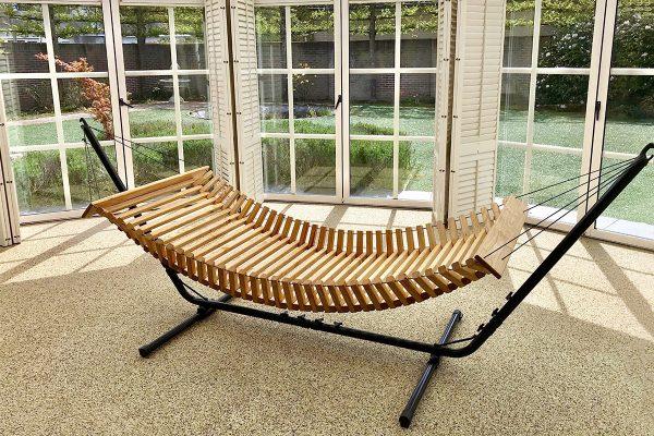 Hamac bois avec Stand - FabsFurniture-Wooden-Hammock-Eindhoven-patio-garden