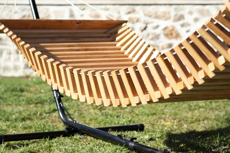 FabsFurniture-Wooden-Hammock-with-stand-detials-garden-patio-pool-furniture